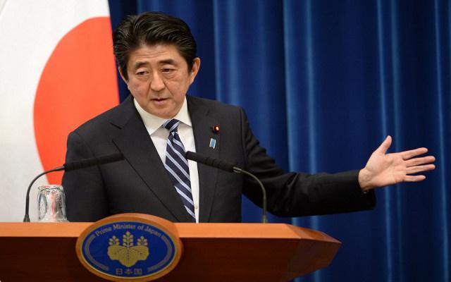 رئيس الحكومة اليابانية يواصل سعيه لمنح الجيش حق اجراء عمليات في الخارج