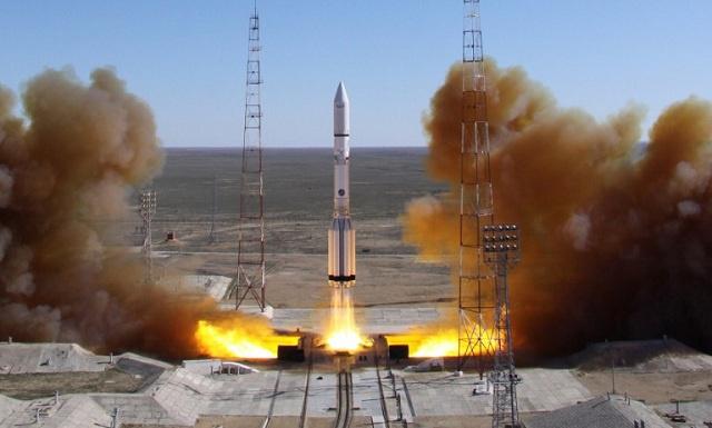تحطم الصاروخ الحامل بروتون إم بعد انطلاقه من قاعدة بايكونور الفضائية (فيديو)