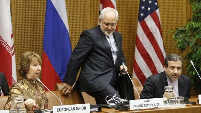 واشنطن تنفي فشل اللقاء بين الوفدين الأمريكي والإيراني في فيينا