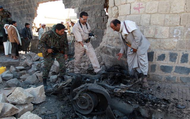 الرئيس اليمني يعد بتطهير اليمن من القاعدة ووزارة الداخلية تعلن عن إحباطها لهجمات في العاصمة صنعاء