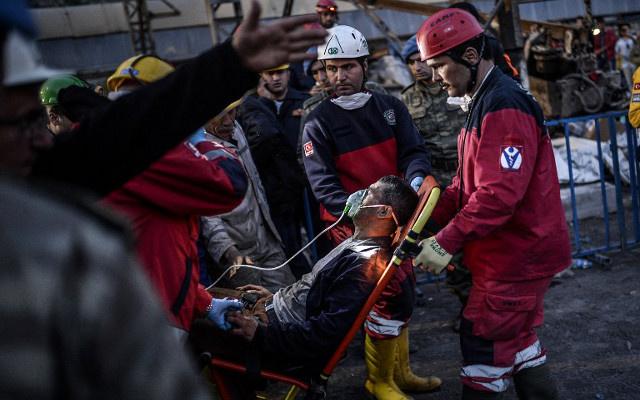 الشركة المشرفة على منجم سوما التركي تنفي مسؤوليتها عن الحريق في المنجم