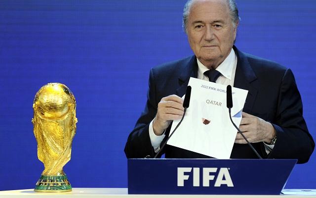 بلاتر يعتبر استضافة قطر لمونديال 2022