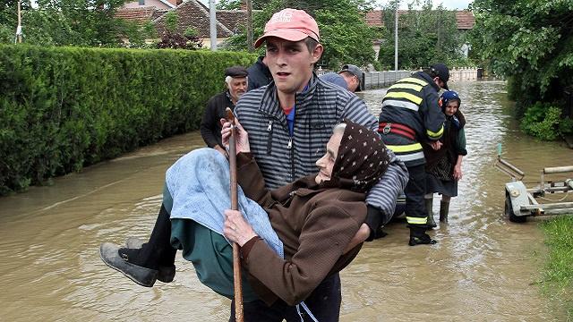 30 قتيلا بفيضانات البلقان
