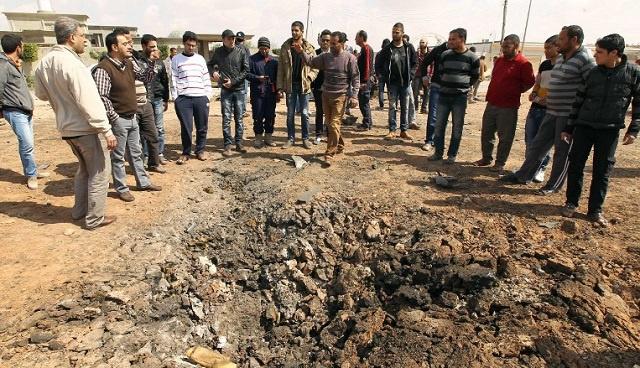 ليبيا.. هجوم بالصواريخ على قاعدة جوية عسكرية في بنغازي