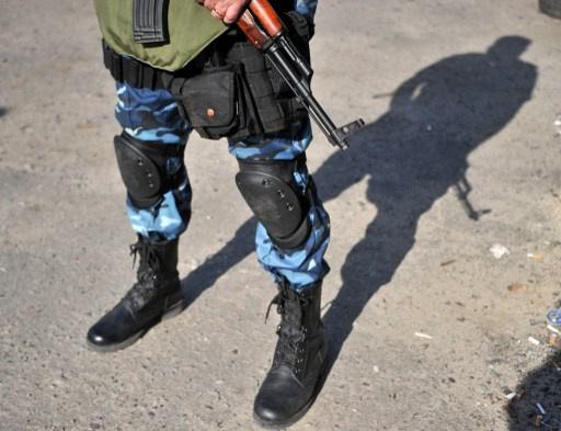 أمهات تسحبن أولادهن من كلية عسكرية في لوغانسك تجنباً لمشاركتهم في العمليات العسكرية