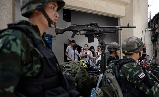 الجيش التايلاندي يفرض الأحكام العرفية في البلاد