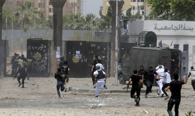 مقتل 3 رجال شرطة وإصابة 9 آخرين في هجوم بالقاهرة