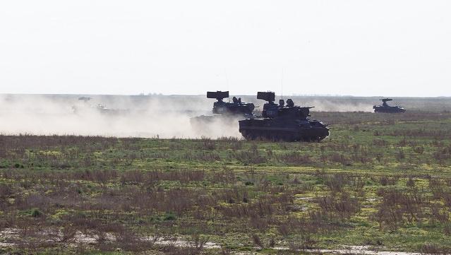 وزارة الدفاع الروسية تعلن بدء عودة القوات من التدريبات على الحدود مع أوكرانيا