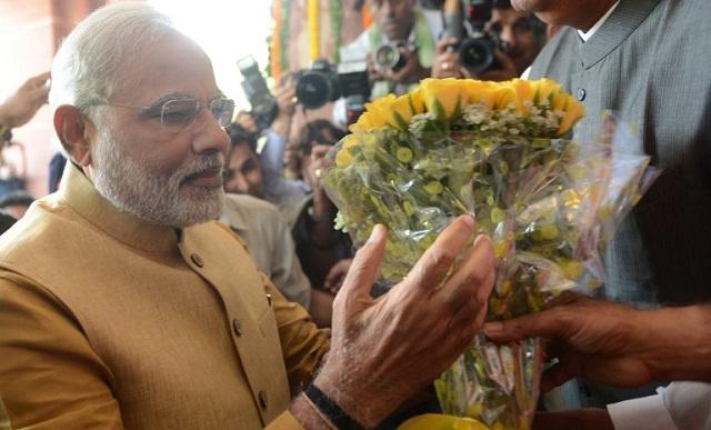 الرئيس الهندي يعين مودي رئيسا للوزراء ويكلفه بتشكيل الحكومة