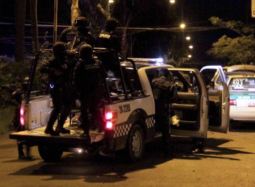 العثور على 16 جثة في ولاية مكسيكية تشهد حرب عصابات طاحنة