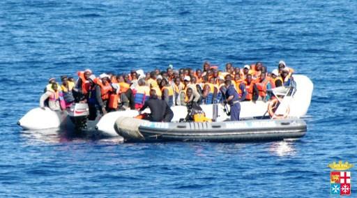 إنقاذ 500 مهاجر غير شرعي قرب سواحل صقلية