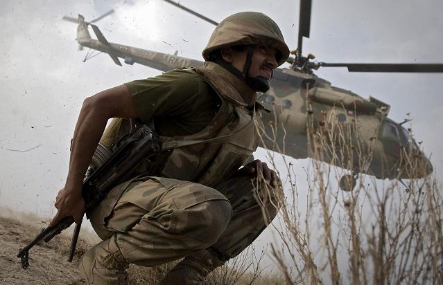 مقتل 60 شخصا في غارة جوية على منطقة وزيرستان شمال باكستان