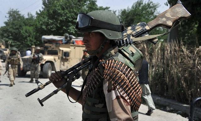 مقتل 13 شخصا معظمهم من رجال الشرطة بهجمات متفرقة في أفغانستان