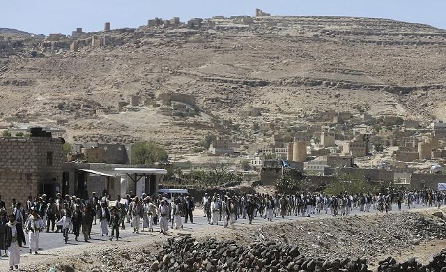 اليمن.. مصرع 8 أشخاص بينهم 4 جنود في اشتباكات مع الحوثيين شمالي صنعاء