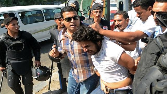 الحكم بالمؤبد على 54 شخصا من مؤيدي الإخوان في الدقهلية بمصر