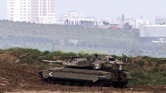 إصابة شاب فلسطيني أثناء توغل إسرائيلي جنوب قطاع غزة