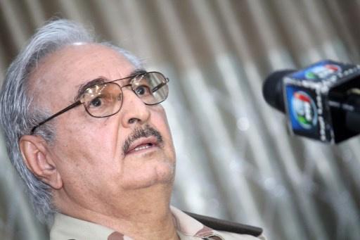 الداخلية الليبية تنفي وقوفها الى جانب اللواء حفتر