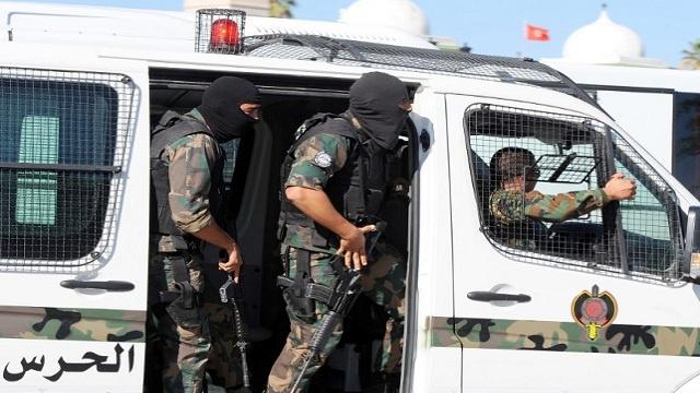 تونس تعتقل 8 إرهابيين متسللين من ليبيا