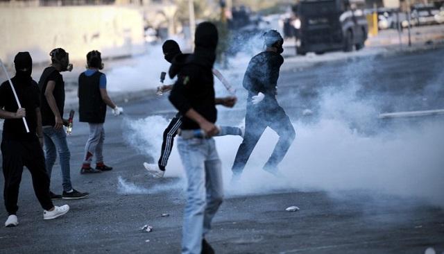 مقتل شاب بحريني في اشتباكات مع الشرطة في قرية سترة قرب العاصمة المنامة