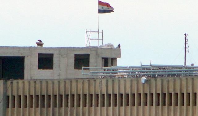قناة RT تدخل سجن حلب المركزي بعد فك الجيش الحصار عنه