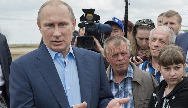 بوتين يزور مناطق الشرق الأقصى الروسي المنكوبة جراء فيضانات (فيديو)