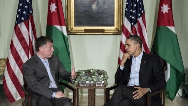 العاهل الأردني يؤكد على ضرورة إيجاد حل سياسي للأزمة السورية التي أنهكت بلاده