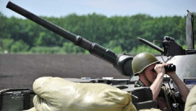 أحكام عرفية وتعبئة عامة في لوغانسك ومقتل 8 عسكريين في دونيتسك