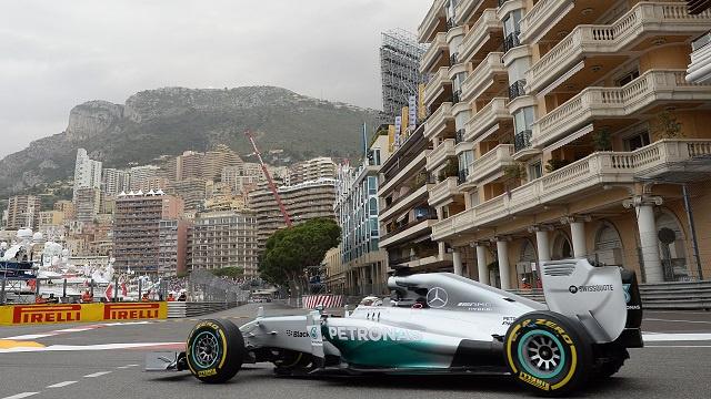 مرسيدس تواصل هيمنتها على سباقات سيارات الفورمولا 1