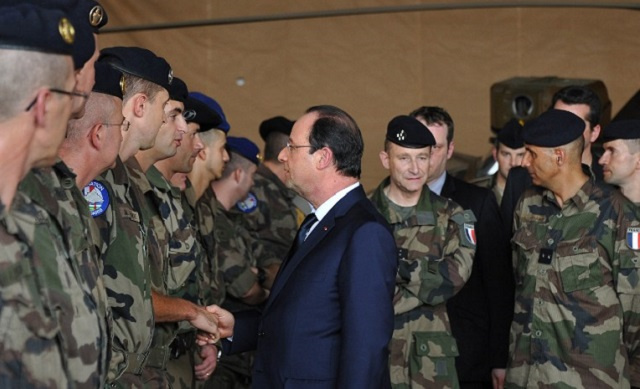 الأزمة الإقتصادية تعصف بالجيش الفرنسي وقادته يلوحون بالإستقالة