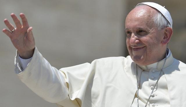 البابا يدعو إلى إيجاد حل سلمي للنزاع السوري وتسوية عادلة للصراع الفلسطيني الإسرائيلي