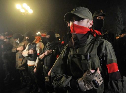 قائد القطاع الأيمن الأوكراني يعترف بمشاركة مقاتليه في العملية التنكيلية شرق البلاد