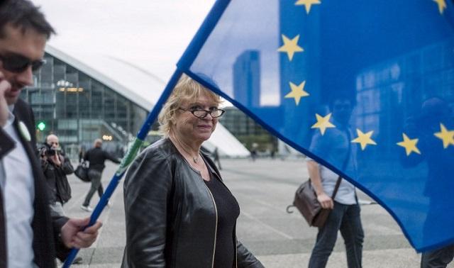 الأوروبيون يختارون نوابهم في البرلمان في آخر يوم من الإنتخابات
