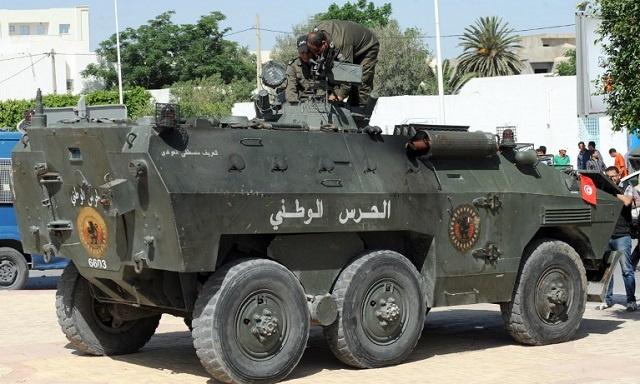 تونس.. إعتقال 3 إرهابيين على الحدود مع ليبيا وبحوزتهم متفجرات