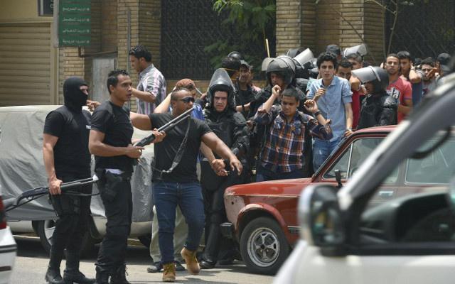 مواجهات بين قوات الأمن وأنصار الإخوان خلال اليوم الأول للانتخابات الرئاسية المصرية