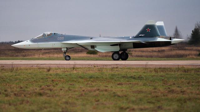 سلاح الجو الروسي يتسلم أولى مقاتلات الجيل الخامس عام 2016 (فيديو)