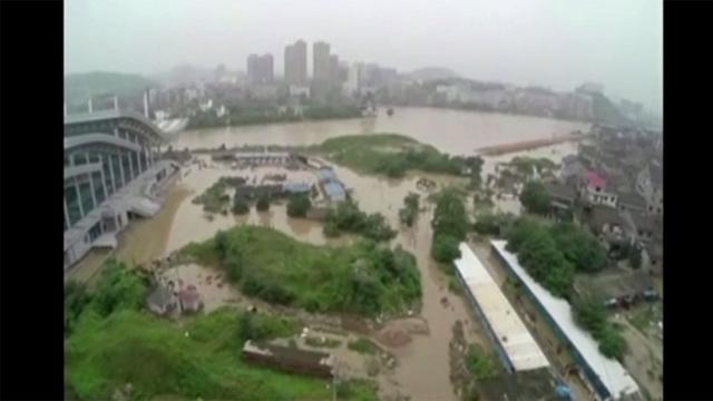 قتلى في فيضانات تجتاح وسط وجنوب الصين (فيديو)