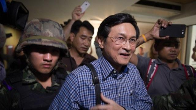 تايلاند: الإفراج عن رئيسة الوزراء السابقة واعتقال وزير سابق