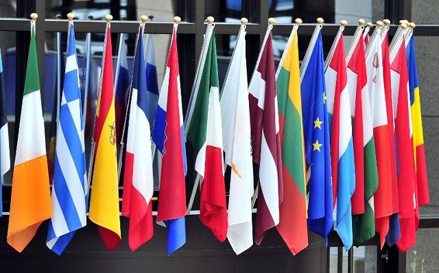 الاتحاد الأوروبي يمتنع عن توسيع العقوبات ضد روسيا ويدعو كييف لحل أزمة الغاز