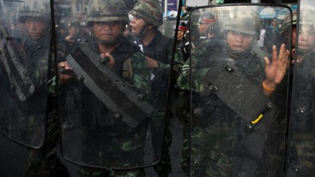الجيش التايلاندي يشترط توفّر ظروف ملائمة للعودة إلى الحكم المدني