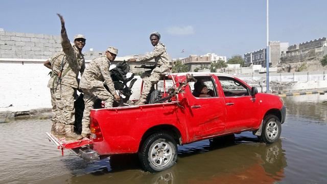 اغتيال ضابط استخبارات يمني ونجله وسط المكلا