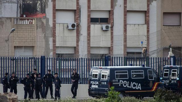 الشرطة الإسبانية تعتقل خلية تقوم بتجنيد جهاديين وإرسالهم إلى مالي وليبيا