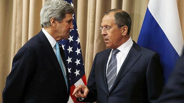لافروف وكيري يتفقان على استمرار الاتصالات لوقف العنف في أوكرانيا