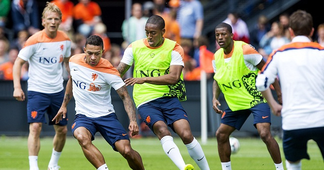 فان غال يعلن التشكيلة النهائية للطواحين الهولندية
