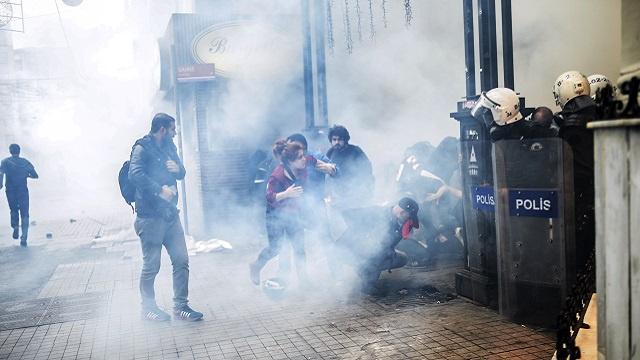 الشرطة التركية تفرق محتجين حاولوا إحياء ذكرى مظاهرات