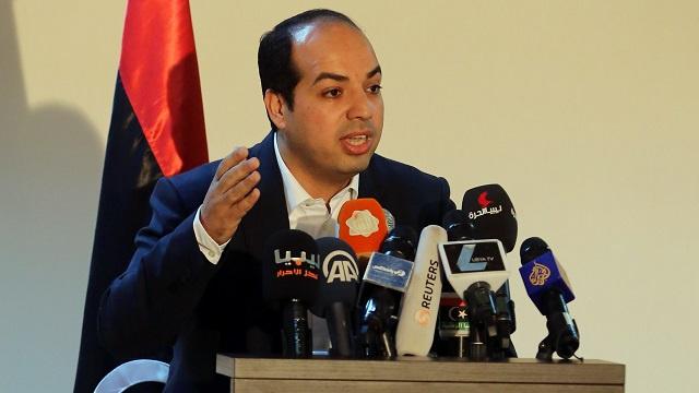 تضارب الأنباء بشأن انتقال السلطة التنفيذية من الثني إلى معيتيق في ليبيا