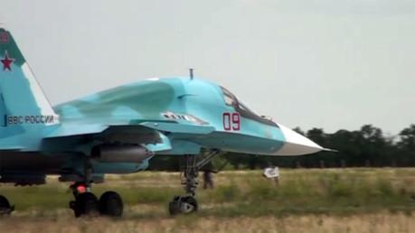 مقاتلات سو -34  تشارك بتدريبات في مقاطعة روستوف الروسية (فيديو)