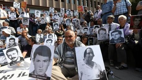الحكم بالسجدن مدى الحياة على رئيس تركي وجنرال سابقين بتهمة تنفيد إنقلاب عسكري