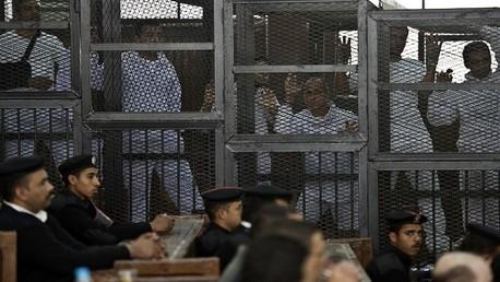 تأجيل النظر في محاكمة قيادات الإخوان بقضية