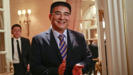 ملياردير صيني يدعو فقراء أمريكيين لمشاركته الغداء