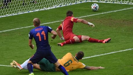 هولندا تحقق فوزا بشق الأنفس على أستراليا